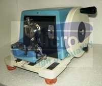 SENIOR ROTARY MICROTOME  SPENCER 820 TYPE
