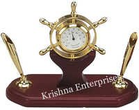 Wheel Clock Pen Holder