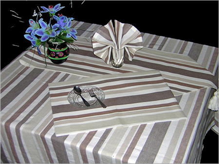 Tablecloth With Mats