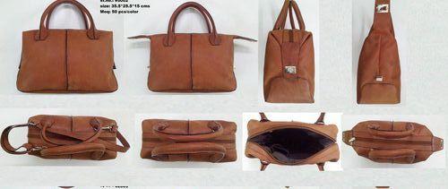 CLASSIC HOBO BAG