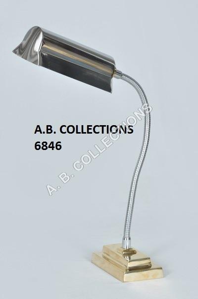 METAL LARGE SHADE DESK LAMP