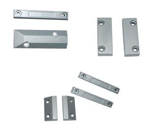 Shutter gap magnetic contact