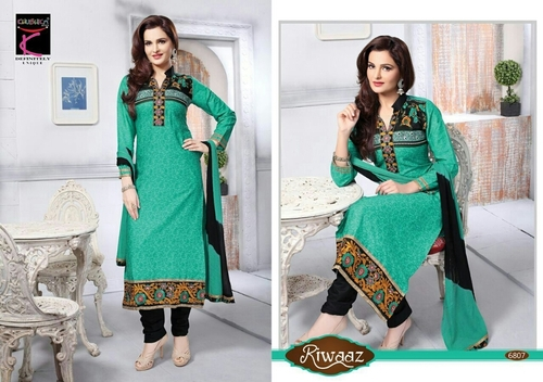 Dress with border