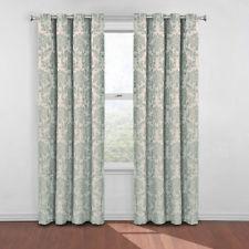 Eye let curtain