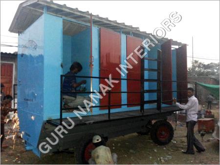 6 Seater Portable Mobile Toilets