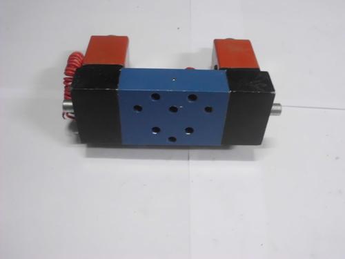 Double solenoid valve 5 port base