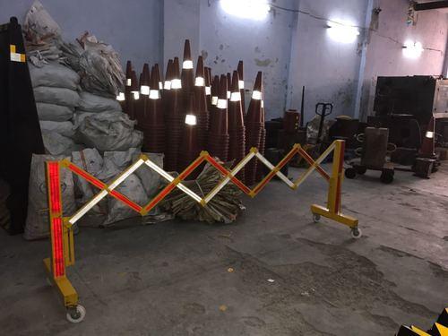 metallic Expandable barrier