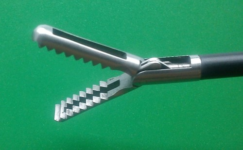 Alligator jaws Grasping Forceps 10mm