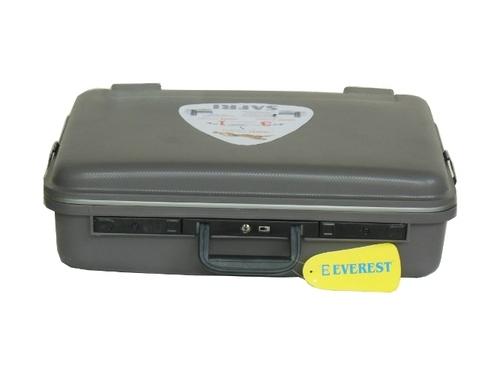 Alfa Suitcase