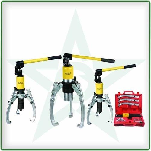 Hydraulic remote control gear puller