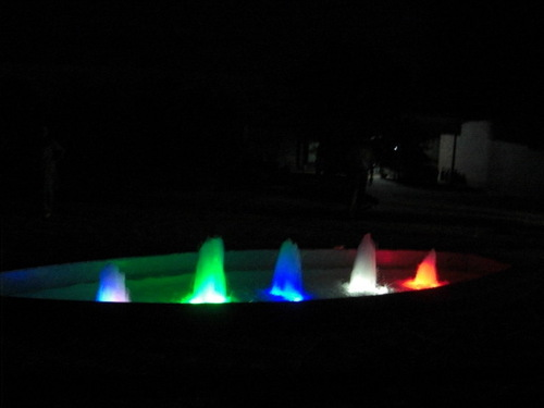 FLASH LIGHT OUTDOOR FOUNTAINS