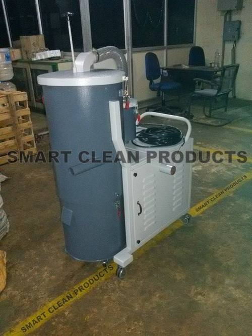 Heavy-duty Industrial Vacuum Cleaner