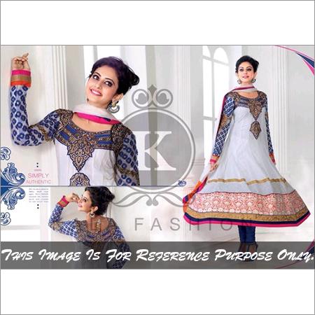 Stylish White Color Anarkali Shuit