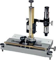 Intermediate Travelling Microscope