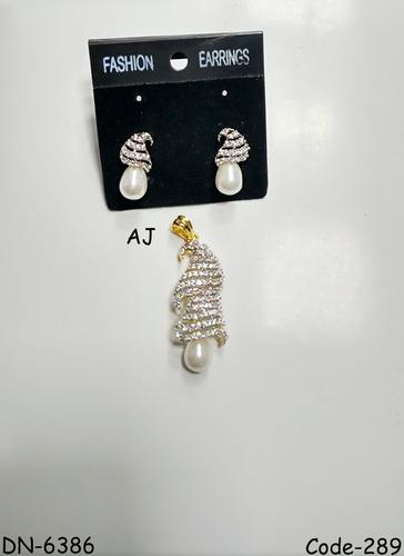 American Diamond Pendant Set with Pearl