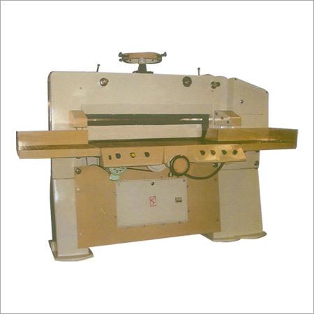 Semi Automatic Paper Cutting