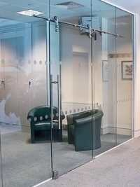 GLASS DOORS/PARTITIONS
