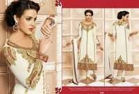 Elegent White Embroidered Salwar Kameez