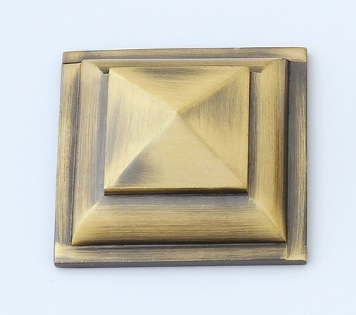 Brass Fancy Pyramid Mirror Cap
