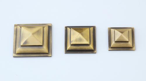 Pyramid Brass Mirror Cap