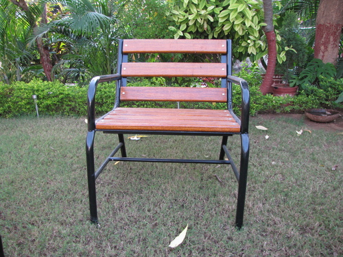 GI Garden Bench