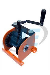 Wall Mounted Winch - Hand Winch