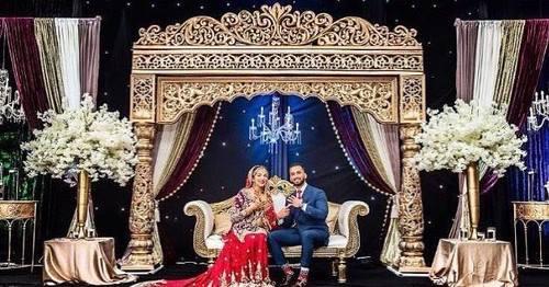 Traditional Pillar Wedding Stage