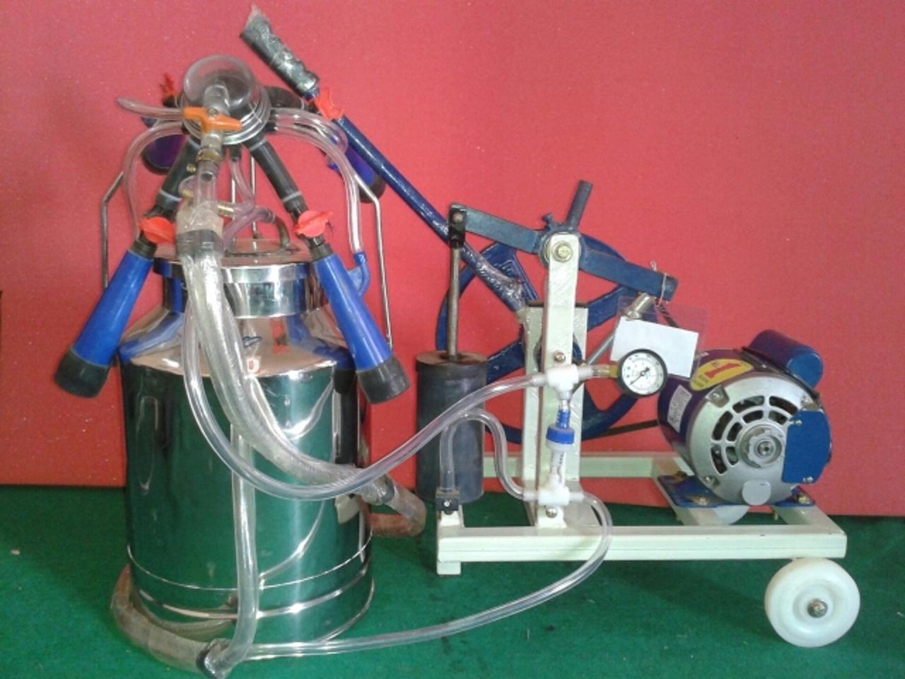Hand Cum Motor Milking Machine