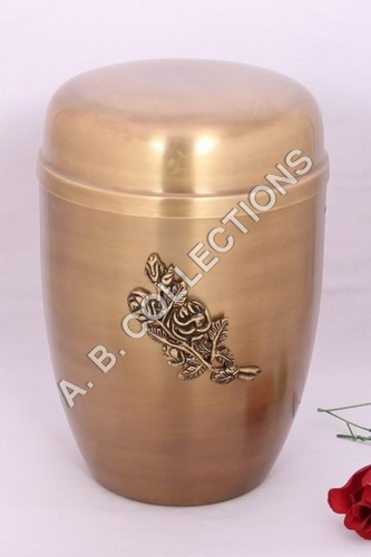 EUROPEON METAL CHEAP URN