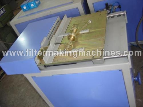 Paper Pack Cutting Machine