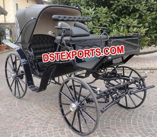 BLACK VICTORAI HORSE CARRIAGE