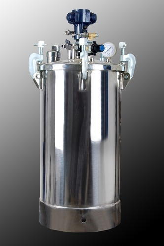 Pressure Feed Container with Pneumatic Stirrer 22
