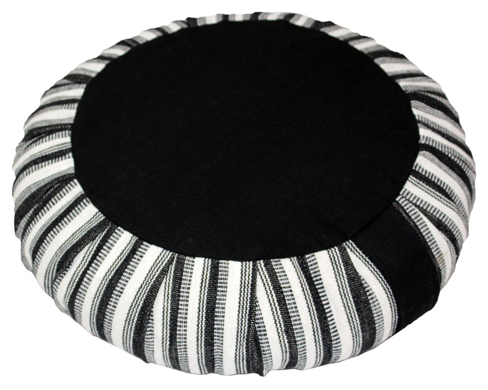 Round pleated Cushion