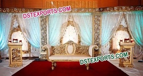 MUSLIM WEDDING GLITRING GOLD STAGE