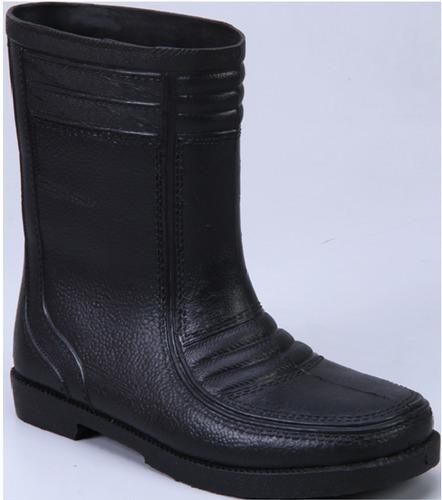 Croma Black Gum Boot