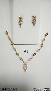 American Diamond Necklace with Kundan