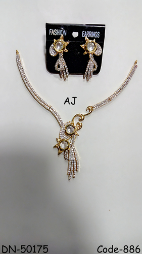 American Diamond Necklace with Kundan