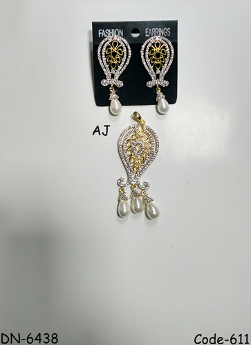American Diamond Pendant Set with Pearl