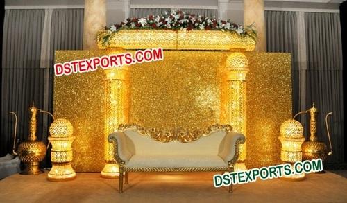 ASIAN WEDDING BEAUTIFUL GOLD STAGE