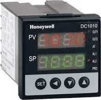 Honeywell PID Controller DC1010CT-102000-E