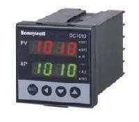 Honeywell PID Controller DC1040CL-111000-E