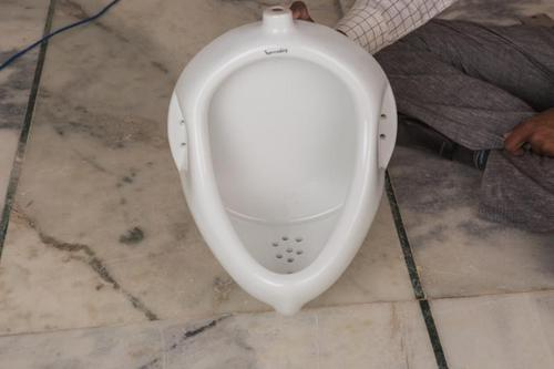 Ceramic Gents Urinal
