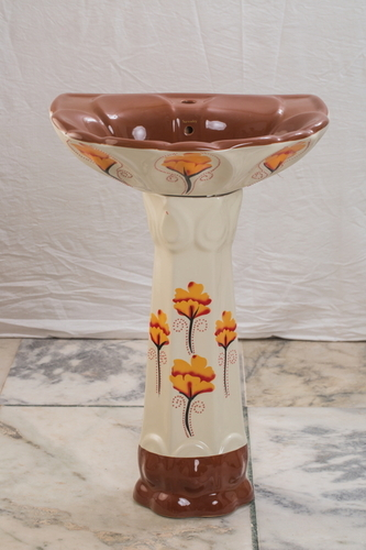 Crowny Pedestal Wash Basin