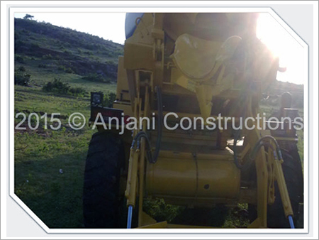Self Loading Mobile Concrete Mixer Hiring