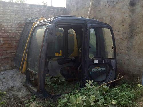 Kobelco SK-210, SK-350, SK-480 Excavator Cabin