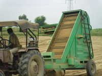 Soil Scrapper cum loader