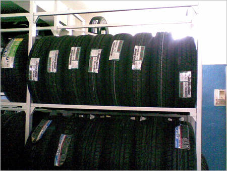Slotted Flexible Wall Four Pole System For Tyres Tubes Display Storage System