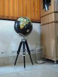 French Desktop Globe With Tripod Stand