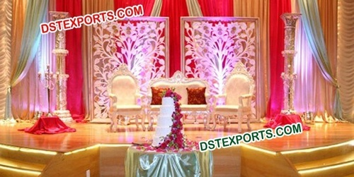 WEDDING STAGE WITH FLOWER BACKDROP
