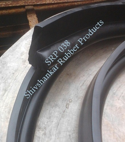 SOLID 'P' SHAPE RUBBER PROFILE